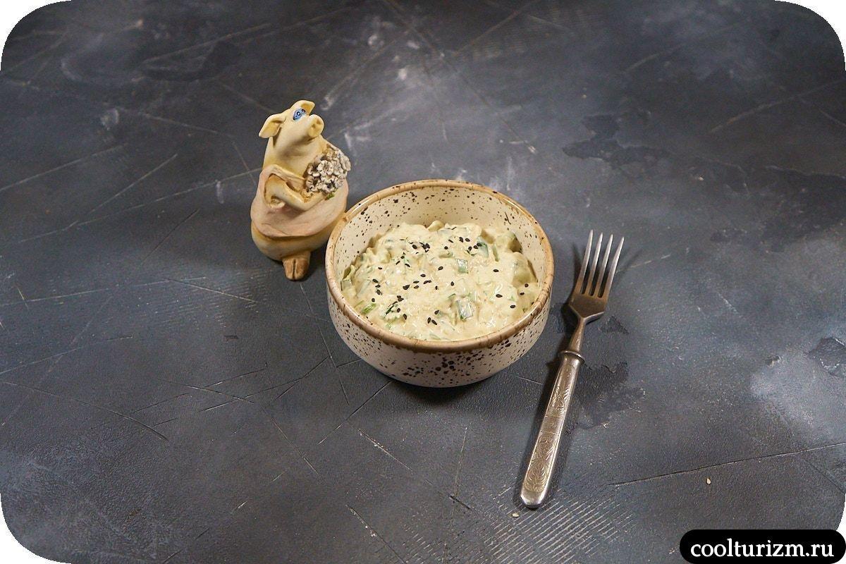 Рецепт салата с зеленым луком пошагово