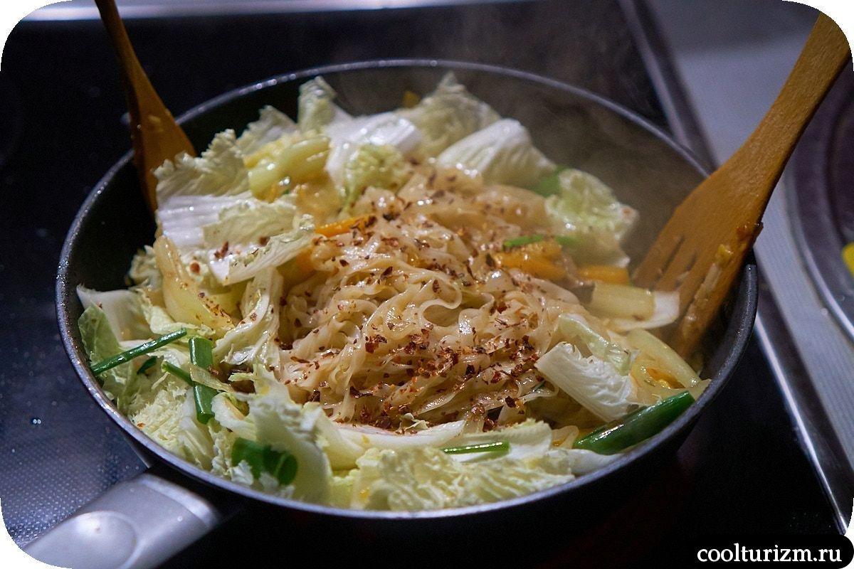 Рисовая лапша фо с пекинской капустой пошагово