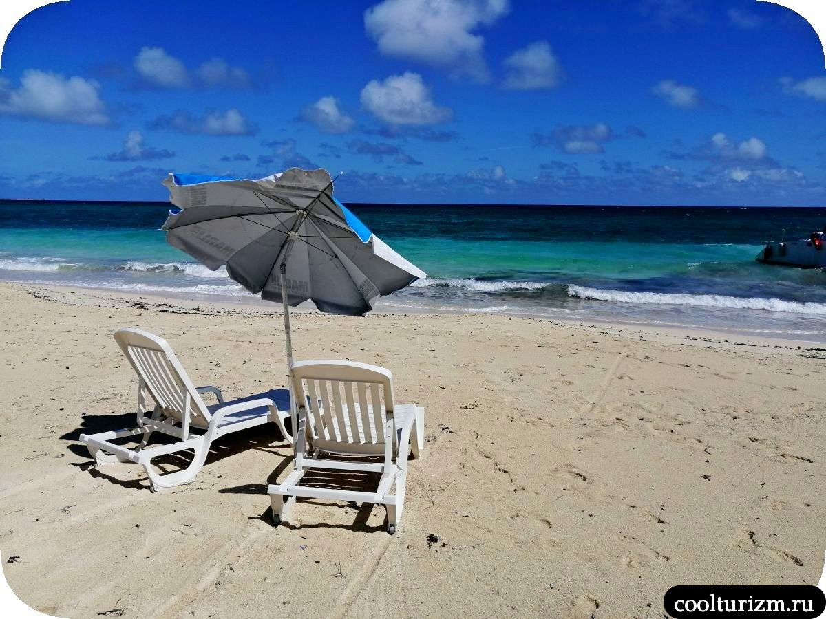 Пляж Бонита на берегу Кайо Сабиналь,Куба катамаран