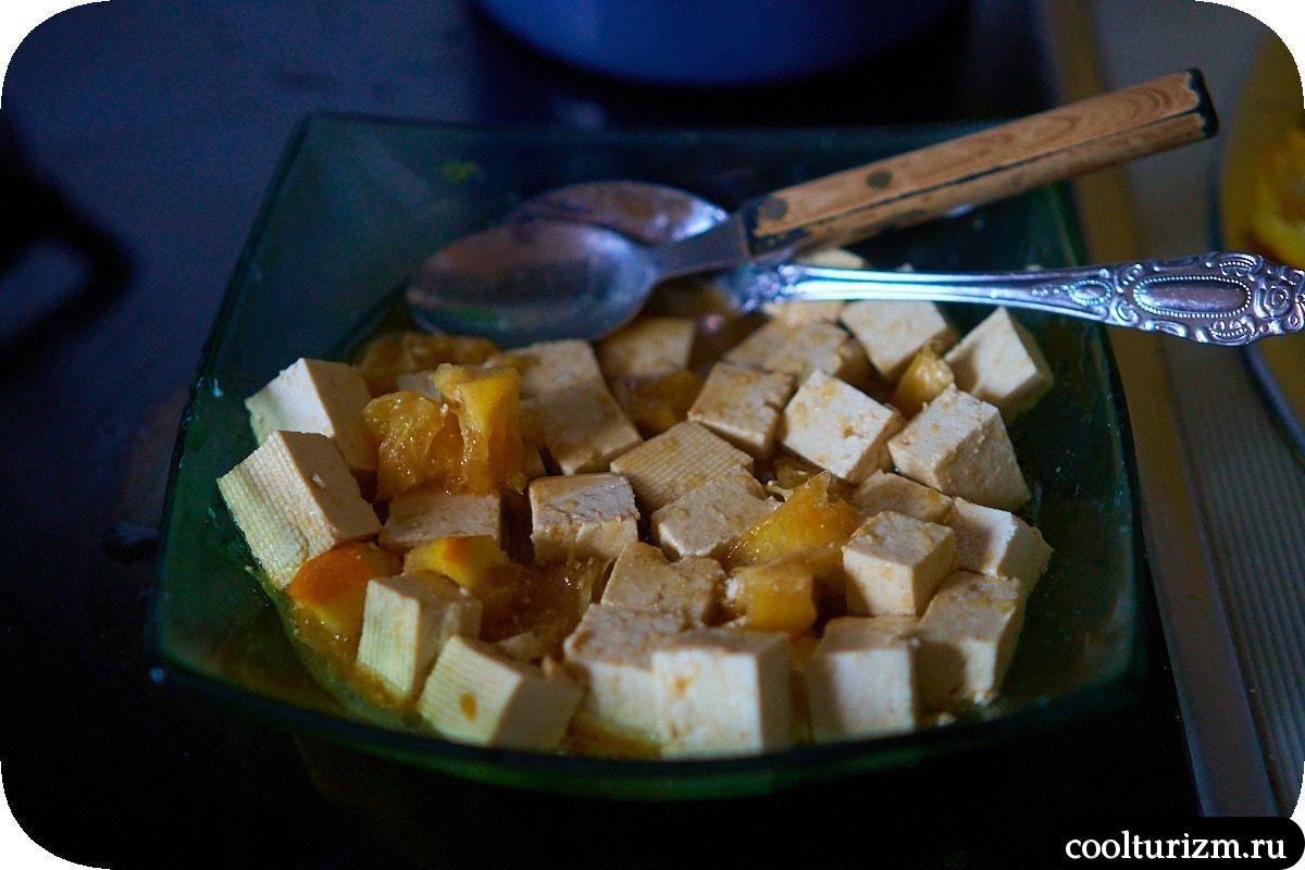 Жареный тофу в апельсиновом маринаде