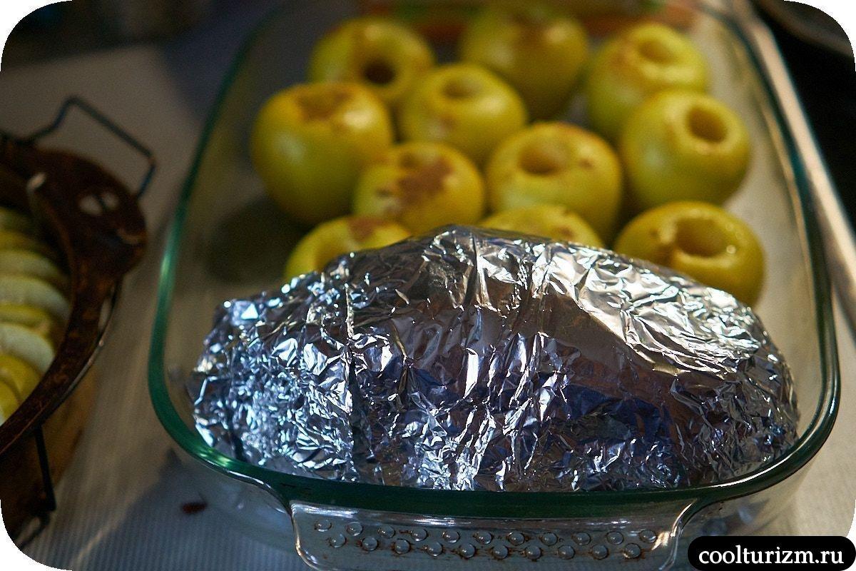 Рецепт окорока в фольге в духовке пошагово
